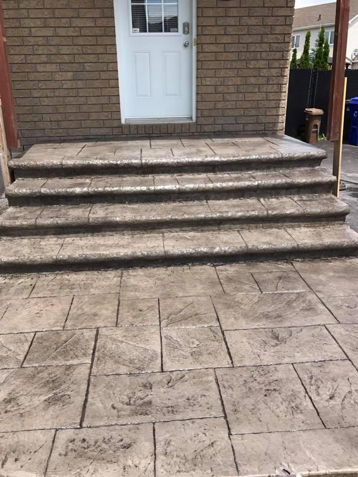entree et escalier avec bullnose arondit et estamper et motif large ashlar