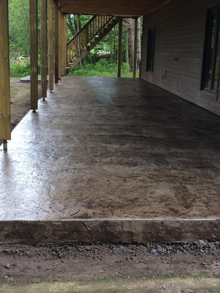 patio arriere avec motif textured stone